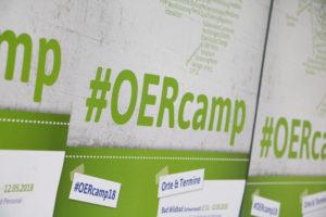Hashtag OERcamp auf dem Poster zum OERcamp 2018 - Foto von Christopher Dies / OERcamp