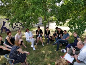 Session draußen auf dem OERcamp Ost 2018 - Foto von Kai Obermüller / OERcamp
